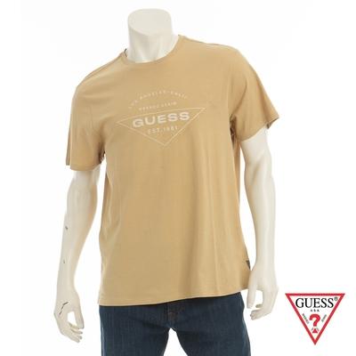GUESS-男裝-簡約美式文字LOGO短T-棕 原價1290