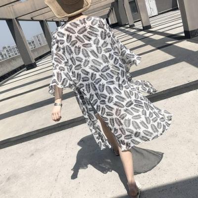 La Belleza荷葉喇叭袖滿版葉子印花前綁結兩側開叉雪紡罩衫外套