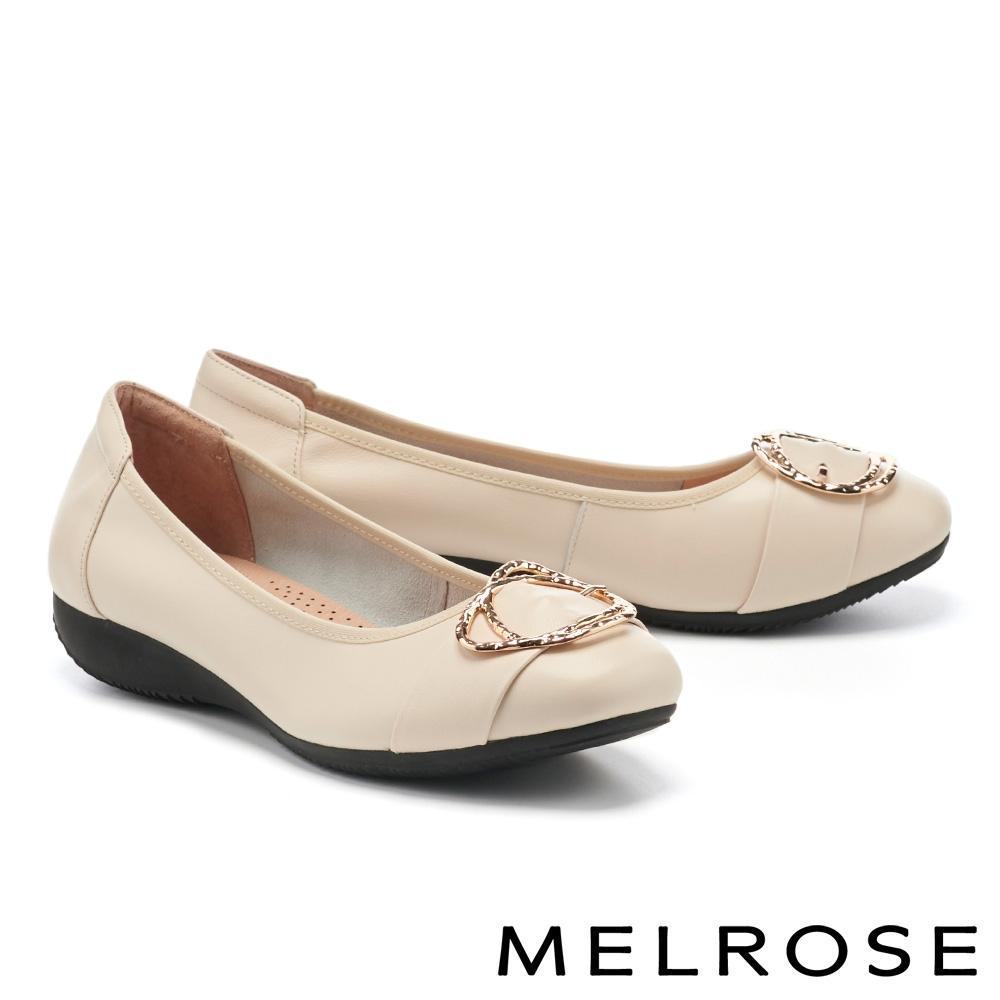 低跟鞋 MELROSE 都會典雅金屬雙圓釦全真皮楔型低跟鞋-米