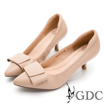 GDC-真皮歐風蝴蝶結尖頭素雅跟鞋-卡其色