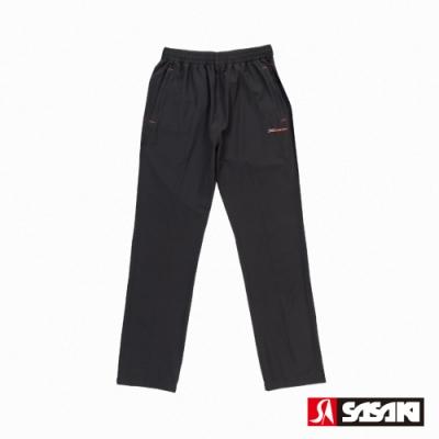SASAKI 抗紫外線功能四面彈力伸縮休閒長褲-男-黑/艷桔