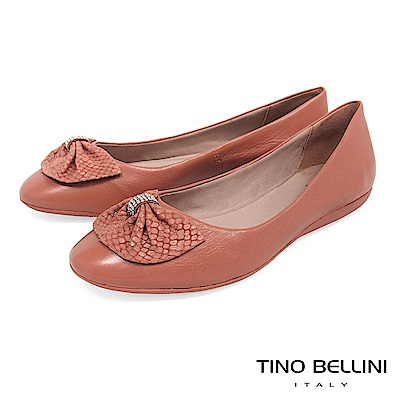Tino Bellini 巴西進口鑽飾寬版蛇紋領結平底娃娃鞋 _ 鮭紅