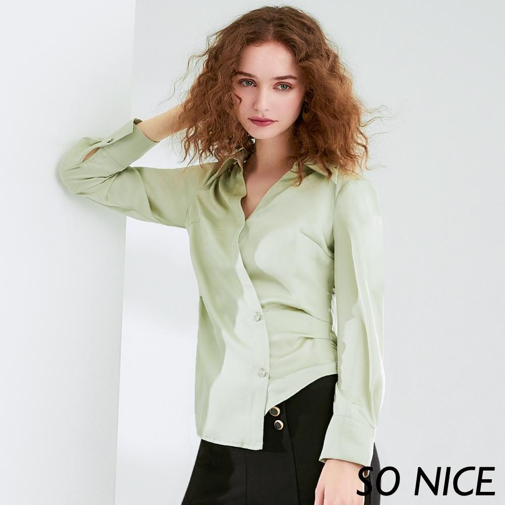 SO NICE質感緞面斜切襯衫上衣
