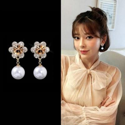 梨花HaNA 韓國925銀氣質珍珠花卉妝飾耳環