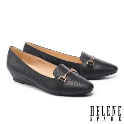 低跟鞋 HELENE SPARK 經典質感馬銜釦全真皮楔型低跟鞋-黑