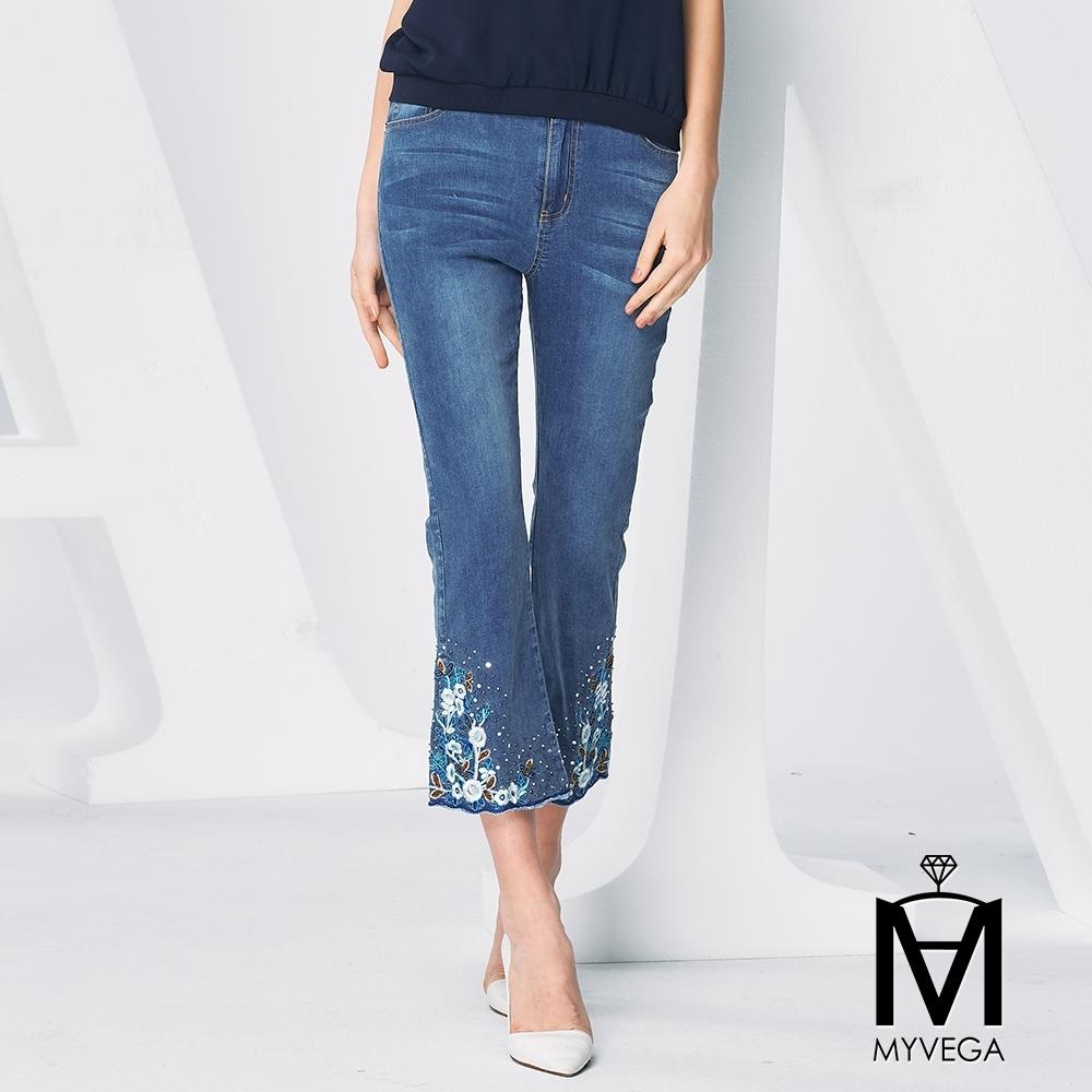 MYVEGA麥雪爾 MA高含棉手工串珠小喇叭八分牛仔褲-藍