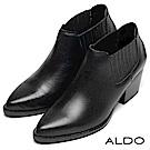 ALDO 原色真皮靴面U字幾何直紋粗跟尖頭踝短靴~尊爵黑色