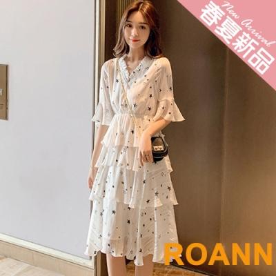花邊V領星星印花蛋糕裙洋裝 (共二色)-ROANN