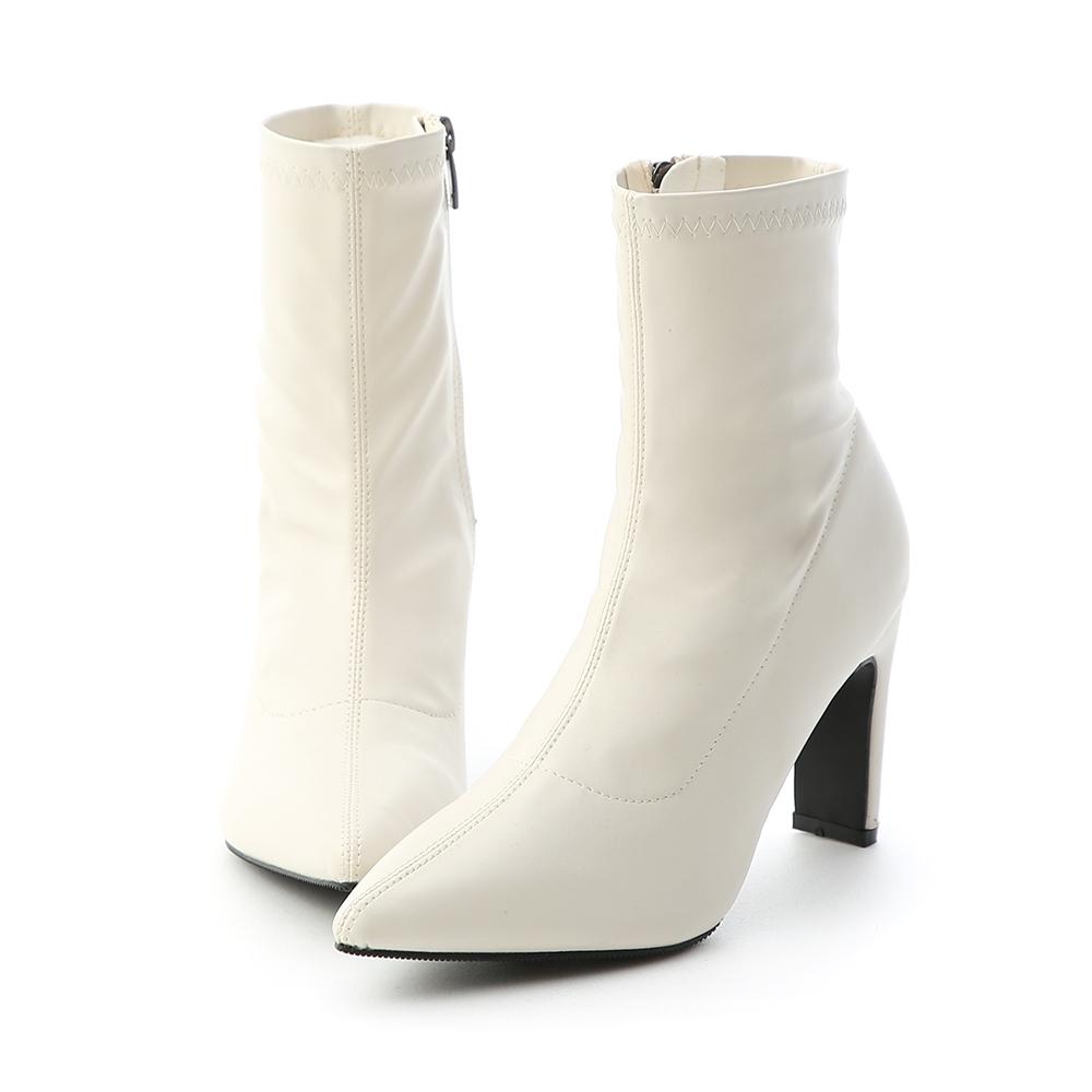 D+AF 時尚超模.素面尖頭扁跟美腿襪靴*白