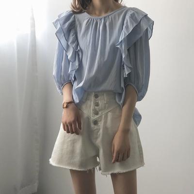 La Belleza圓領肩雙領荷葉滾邊五分袖背釦棉麻寬鬆上衣
