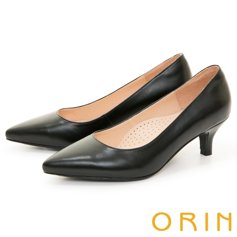 ORIN 優雅尖頭真皮素面 女 中跟鞋 黑色