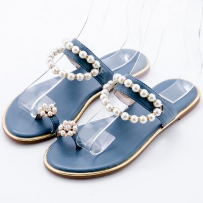 River&Moon大尺碼女鞋 珍珠掛鍊夾趾平底涼拖 藍