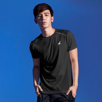 【AIRWALK】反光條設計吸排圓領T恤-黑色