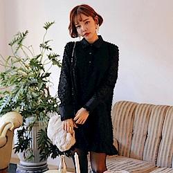 MOCO流蘇花紋點缀緞面翻領微透荷葉邊黑色洋裝