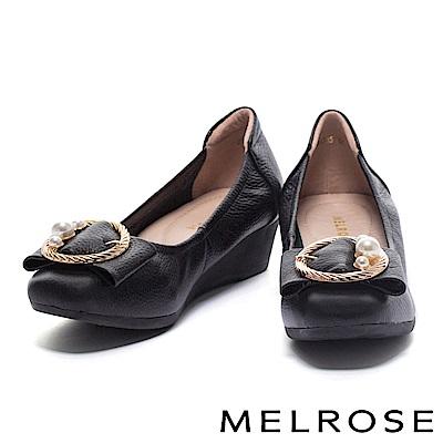 高跟鞋 MELROSE 珍珠金屬圓飾釦柔軟全真皮楔型高跟鞋-黑