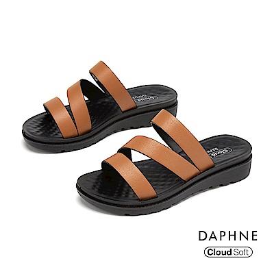 達芙妮DAPHNE 涼鞋-簡約鏤空條帶舒軟休閒拖鞋-棕色