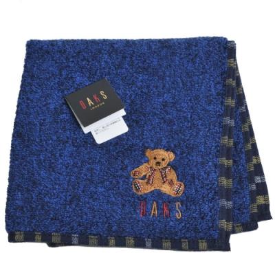 DAKS 經典品牌格紋字母可愛泰迪熊刺繡LOGO小方巾(單寧藍)