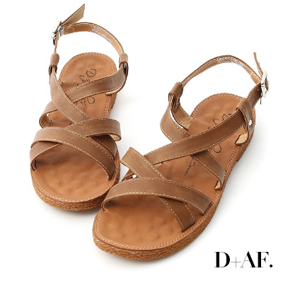 D+AF 好感率真.交叉線條平底涼鞋*棕