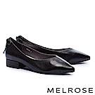 低跟鞋 MELROSE 簡約復古摔紋牛皮素面尖頭低跟鞋-黑