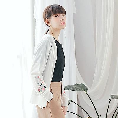 花朵刺繡輕薄針織外套-OB大尺碼
