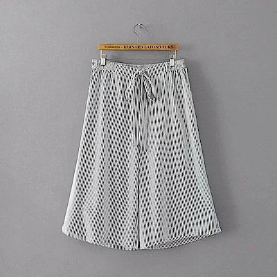 KT 條紋鬆緊腰7分寬口褲-黑白