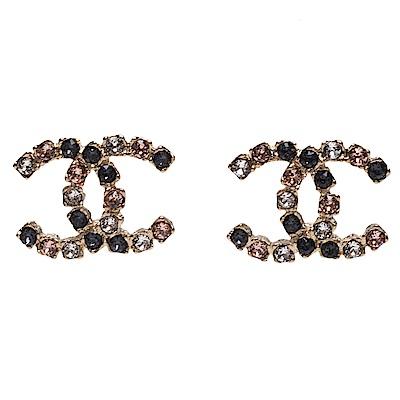 CHANEL 經典CC LOGO三色水鑽鑲飾造型穿式耳環(金色)