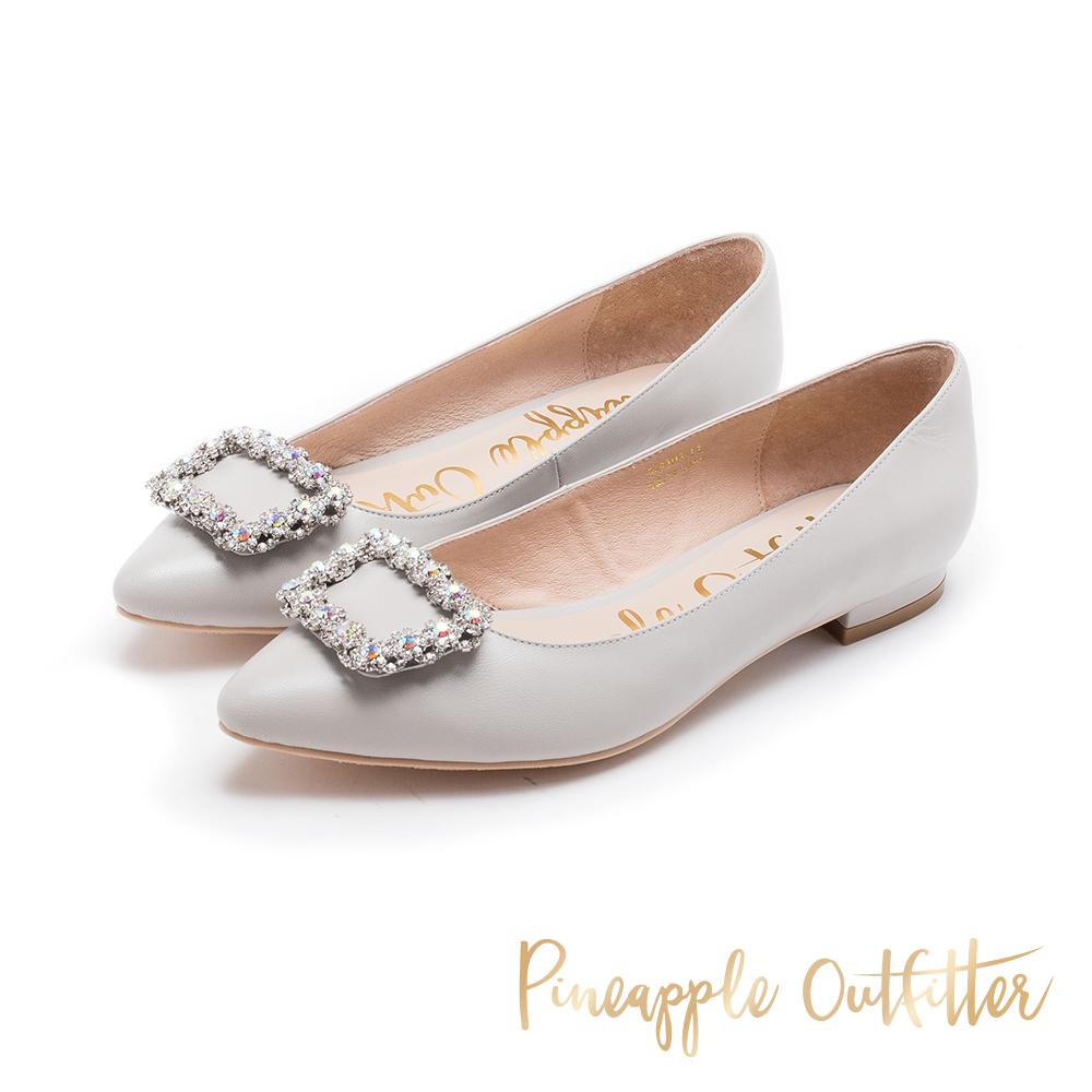 Pineapple Outfitter 奢華美型 水鑽方扣真皮低跟鞋-灰色