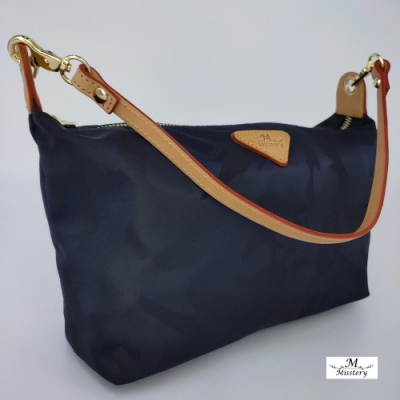 【Misstery】迷彩防潑水斜肩包 義大利植鞣皮革側背小包-藍