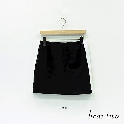 beartwo 側邊白條撞色短裙(黑色)