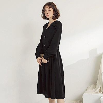 純色不易皺層次翻領設計排釦長袖飄逸長洋裝-OB大尺碼