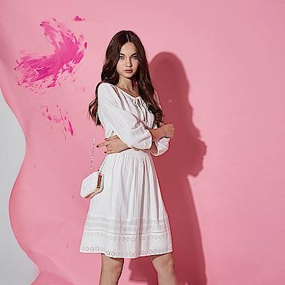 Chaber巧帛 氣質3D蕾絲雕花透視鏤空造型洋裝-白