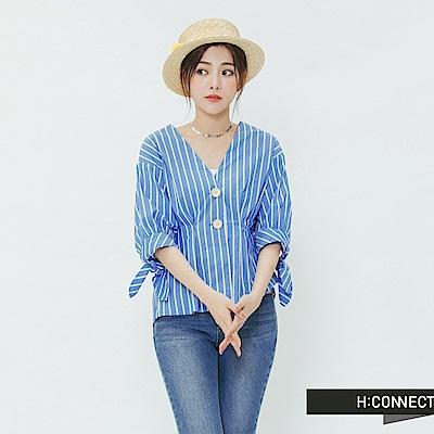 H:CONNECT 韓國品牌 女裝-袖口綁結V領造型上衣-藍