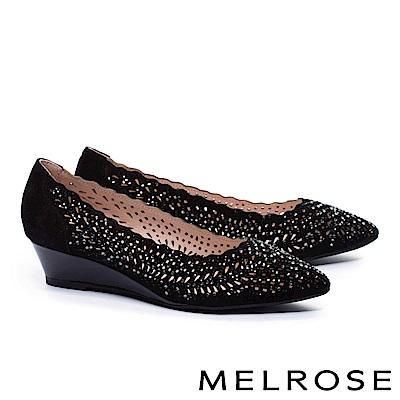 低跟鞋 MELROSE 華麗晶鑽鏤空羊麂皮尖頭楔型低跟鞋-黑