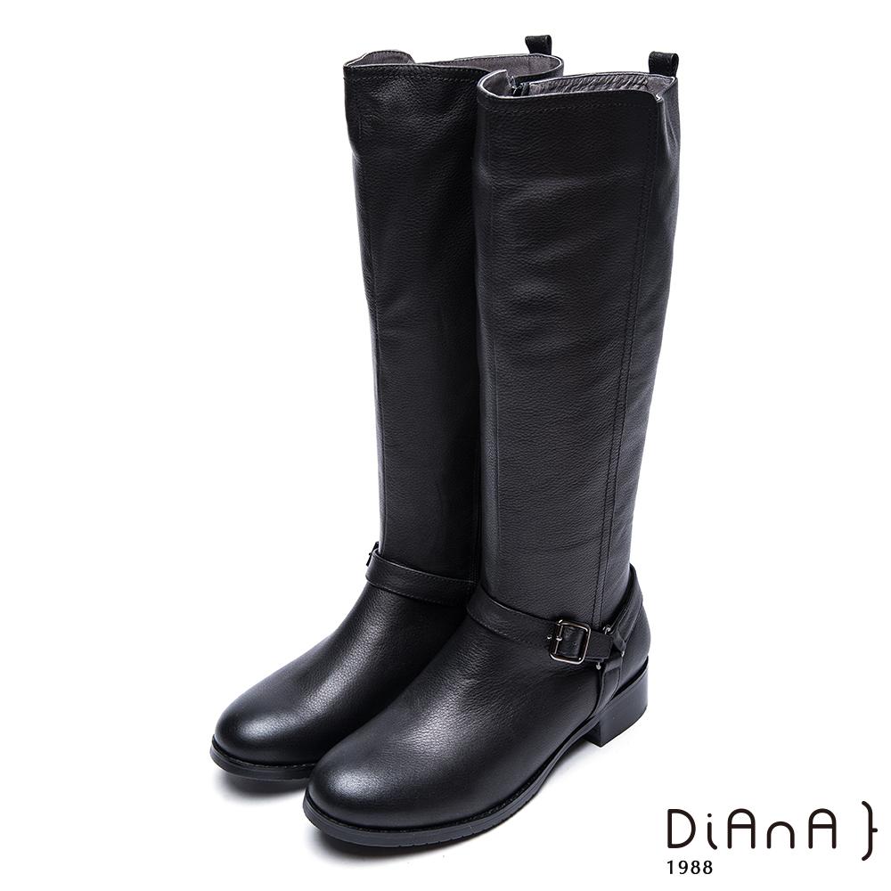 DIANA 時尚前線--俐落線條皮帶釦率性牛皮長靴-黑