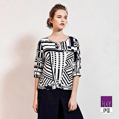 ILEY伊蕾 輕薄棉質造型七分袖幾何上衣(白)