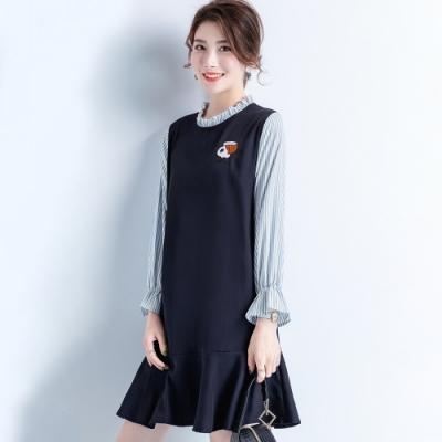初色  木耳領條紋刺繡洋裝-藏藍色-(M-3XL可選)