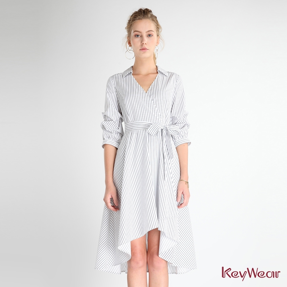 KeyWear奇威名品    性感V領開襟條紋洋裝-白色
