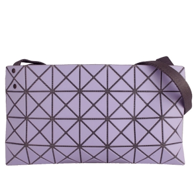ISSEY MIYAKE 三宅一生BAOBAO 三角方格4x7霧面斜背包(淺紫色)