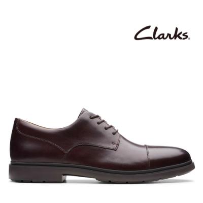 Clarks UN 一字頭縫線素面正裝紳士鞋 深紅色
