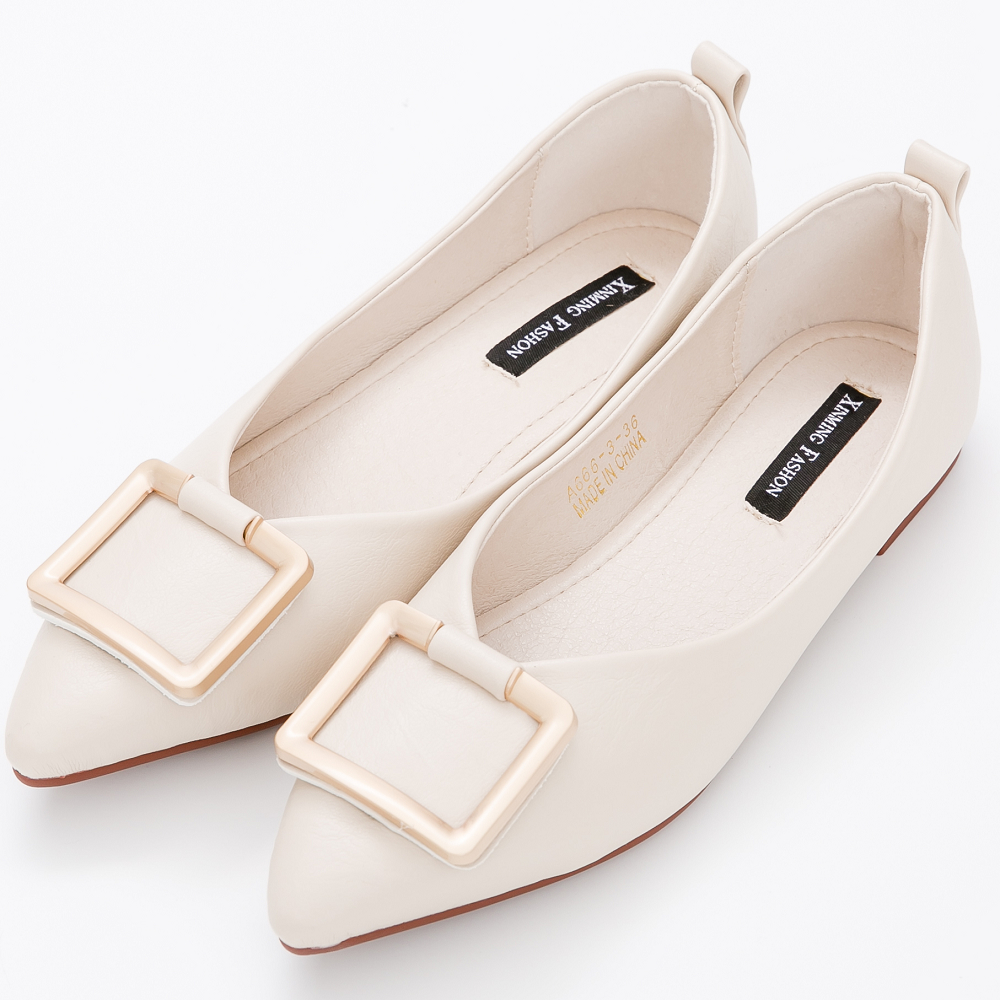 River&Moon中大尺碼-時尚方金扣Q軟橡膠平底尖頭鞋-杏
