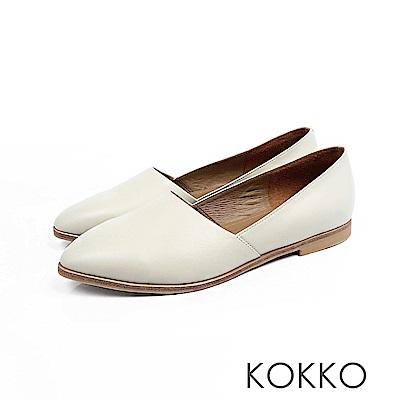 KOKKO -心跳脈動彎折軟羊皮素面平底鞋-米白