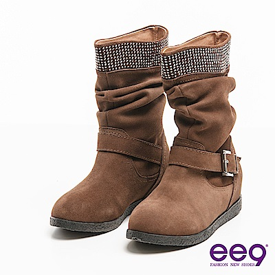 ee9聚焦魅力~百搭時尚耀眼晶鑽金屬扣環中筒靴*卡其