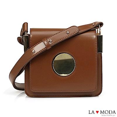 La Moda 人氣注目度滿點大釦飾經典肩背斜背小方包(深棕)