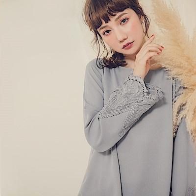 純色蕾絲繡花袖口雪紡上衣-OB嚴選