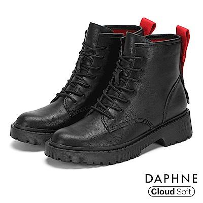達芙妮DAPHNE 短靴-潮流個性標語綁帶圓頭低跟短靴-黑