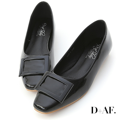 D+AF 質感典藏.大方釦漆皮方頭娃娃鞋*黑