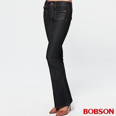 【BOBSON】女款低腰貼口袋中喇叭牛仔褲(黑87)
