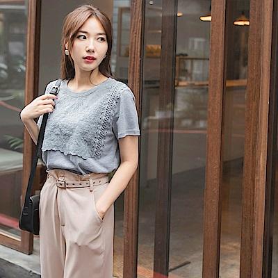 高含棉造型蕾絲雕花拼接純色圓領短袖上衣-OB大尺碼