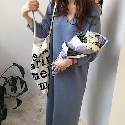 La BellezaV領素色包心紗針織毛衣過膝長版洋裝