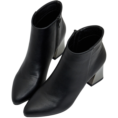 AIR SPACE 簡約素面拉鍊粗跟短靴(黑)